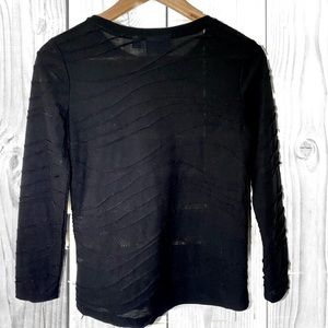 Simply Vera Black long sleeve with detail